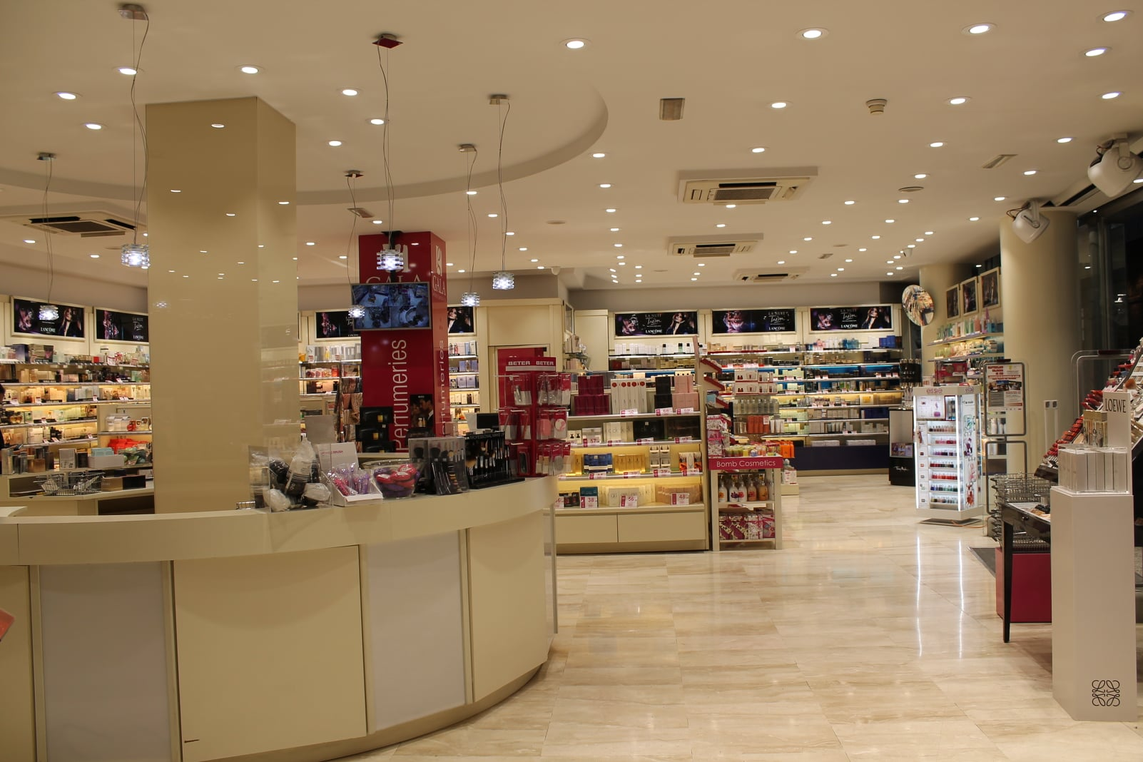 parfumeries-gala-andorre-parfume-maquillage